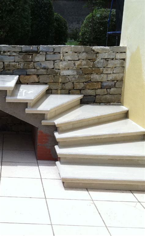 fabricant de cuisine escalier extérieur en béton préfabriqué sur mesure