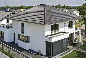 Haus Walmdach Modern : pin von fachinger auf haus pinterest haus einfamilienhaus und haus bauen ~ Indierocktalk.com Haus und Dekorationen