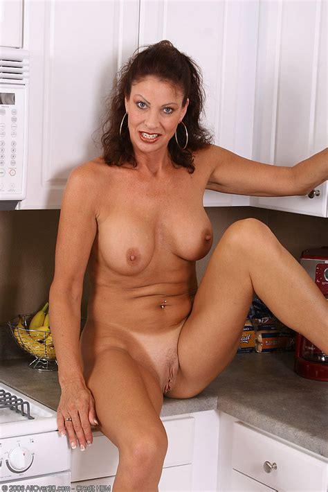 Naked Milf Women Quality Pics