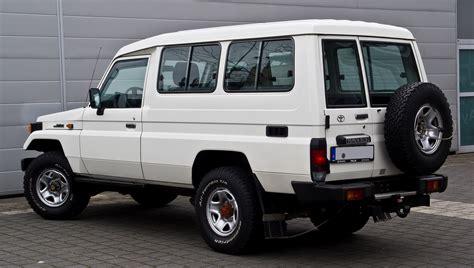 Filetoyota Land Cruiser J Facelift Heckansicht