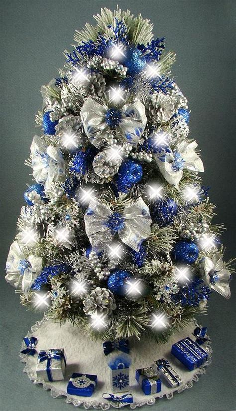 decorate  christmas tree  special themes