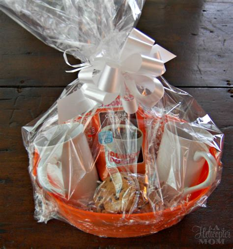 This is why i love these diy gift basket ideas. This coffee-lover gift basket is perfect for those friends ...