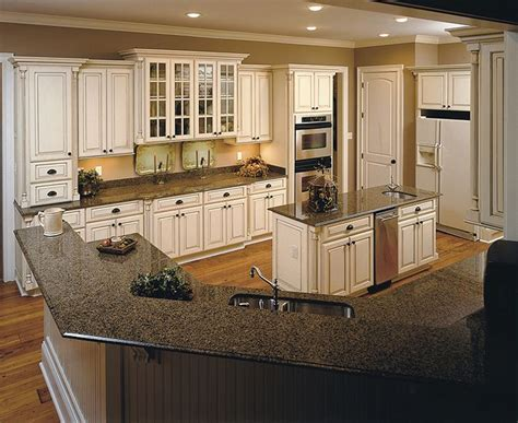 oxford white kitchen cabinets perimeter cabinets ivory maple with nickel glaze oxford 3910