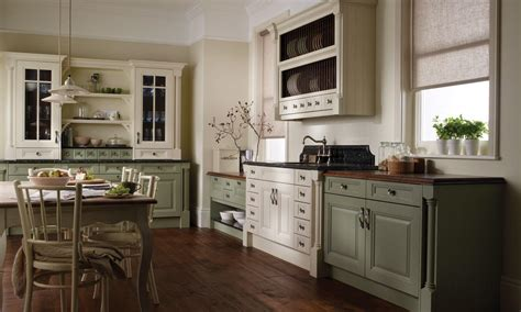 Traditional Kitchens : Cornell Painted Traditional Kitchen Available In Various