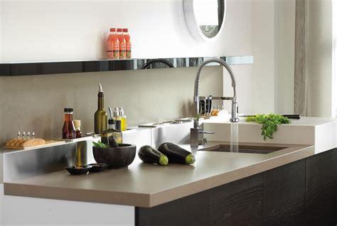 granit blanc cuisine cuisine blanc avec plan de travail en granit