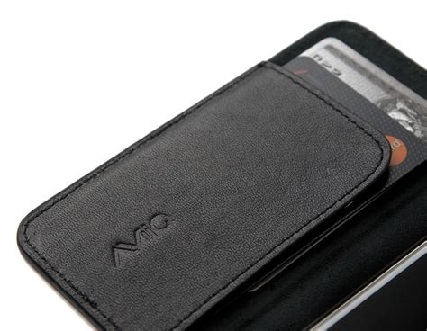 leather iphone aviiq releases the all new leather iphone 5 wallet