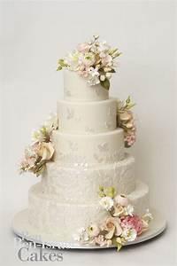Celebrity Story On The Spot Wedding Ceremony Cake Crush