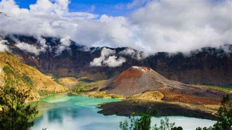 gunung terindah  indonesia   mempesona