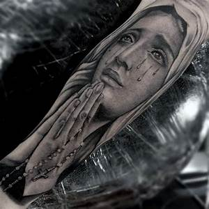 Realistic Praying Hands With Rosary Tattoos For Men ...