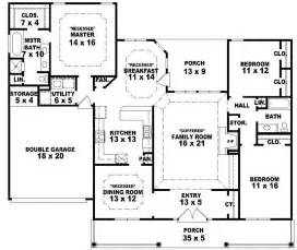 single farmhouse plans 2 farmhouse floor plans galleryhip com the hippest galleries