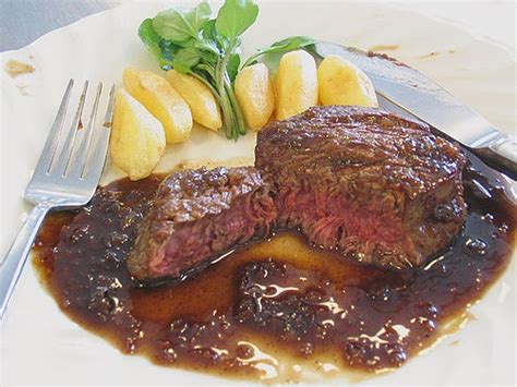 le paleron de boeuf sauce madère flat iron steak with
