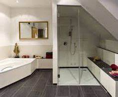 Dusche In Dachschräge : dusche dachschr ge google suche lakberendez s pinterest lofts attic and loft bathroom ~ Frokenaadalensverden.com Haus und Dekorationen