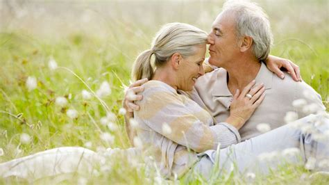 do men and women look at sex after 60 differently