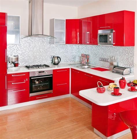 vers blancs cuisine décoration cuisine moderne et blanc