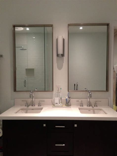 build  double vanity  space    inches wide