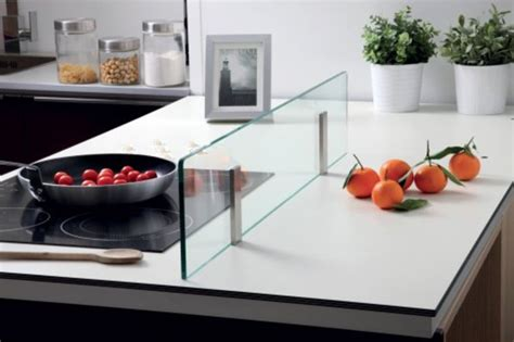 plan de travail cuisine inox sur mesure crédence en verre pour îlot de cuisine
