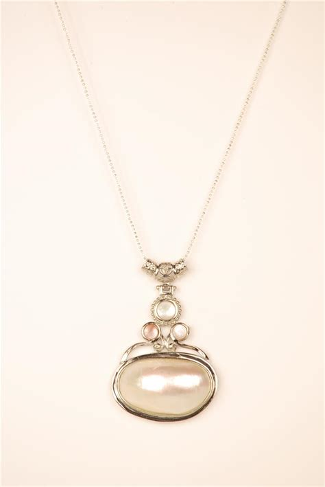 shell pendant  mm mesh chain necklace brass lead
