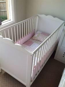 Ikea Babybett Hensvik : ikea hensvik white cot mattress air mesh bumper fitted sheets sam i thought if i could get ~ A.2002-acura-tl-radio.info Haus und Dekorationen