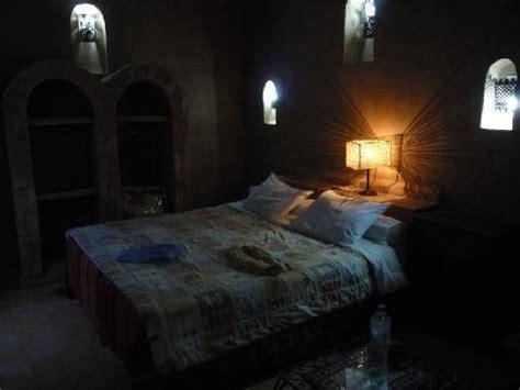 horreur chambre 1408 aspect de la chambre 7 en pleine journée un peu sombre