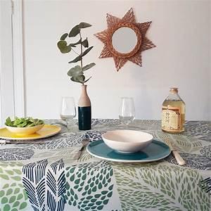 Nappe Ovale Enduite : nappe enduite ronde ou ovale feuilles verte ~ Teatrodelosmanantiales.com Idées de Décoration