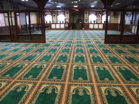 High Quality Mosque Carpet Installation At Best Prices Dubai Can I Put Carpet Over Hardwood Floors Cleaning Artarmon Schedule Online How Do You Clean Candle Wax Off A Hycraft Review Zerorez Dallas Texas Dog Sick After U Wood Floor