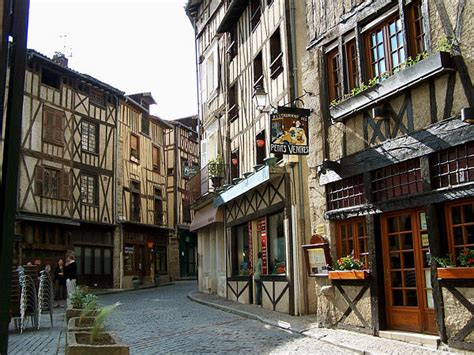4 rue madeleine renaud limoges limoges rue de la boucherie i want to go shopping here