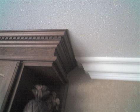 pin  lynn smoak  home decor crown molding kitchen
