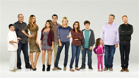 11 reasons modern family is still hilarious