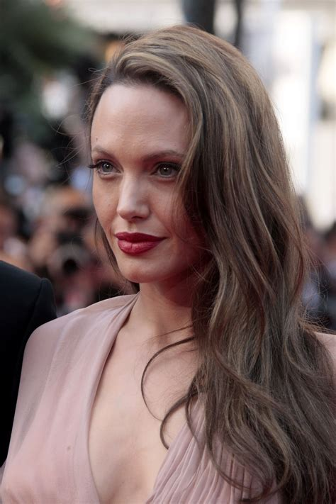 Pictures Of Angelina Jolie Over The Years That Show Her ...