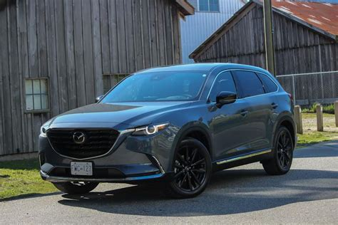You have a high standard for your personal vehicles. Mazda CX-9 Kuro provides driving enjoyment in a practical ...