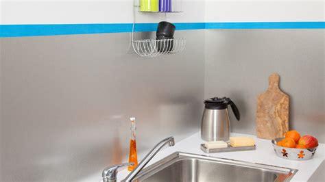 comment poser une cr馘ence de cuisine poser une credence de cuisine maison design bahbe com