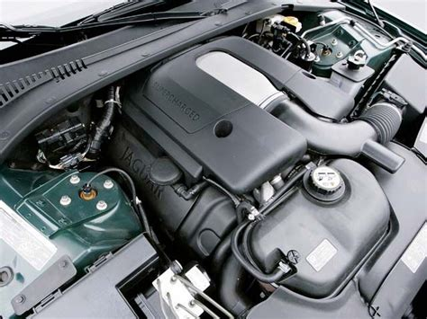 difference   type   xkr supercharger jaguar