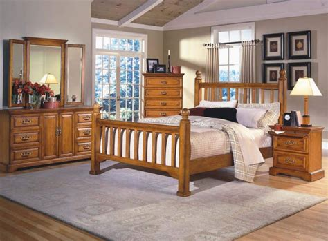 Oak Finish Queen And King Bed