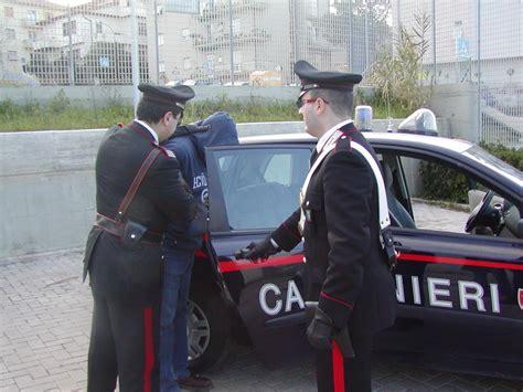 carabinieri con prostitute