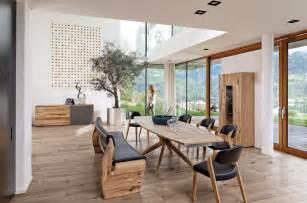 stühle esszimmer modern voglauer massivholzmöbel neuheiten tipps ideen auf planungswelten de