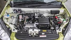 Alto 800 Photo  Engine Bay Image