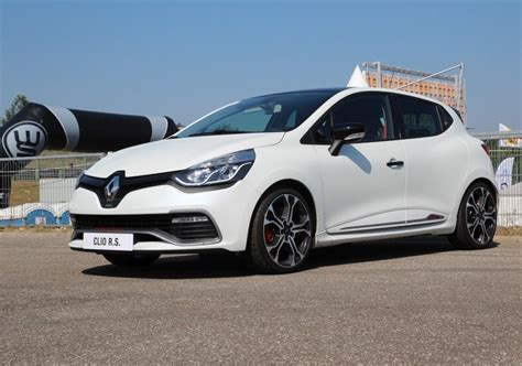 renault clio iv rs trophy  edc  turbo km