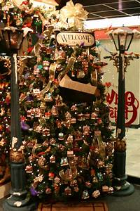 Old World Christmas Glass Ornament Display Ideas Picture