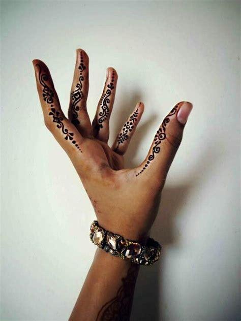 henna hands ideas  pinterest henna hand designs henna patterns hand  hand art henna