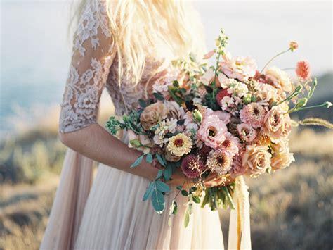wedding flower trends vario weddings