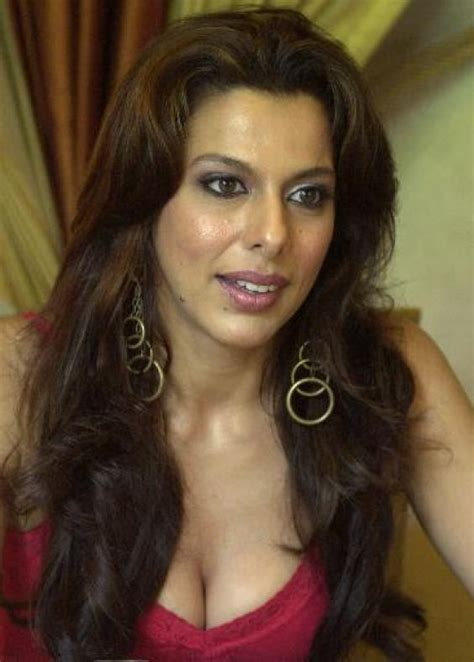 Pooja Bedi Hot Pics Pooja Bedi Biography Pictures