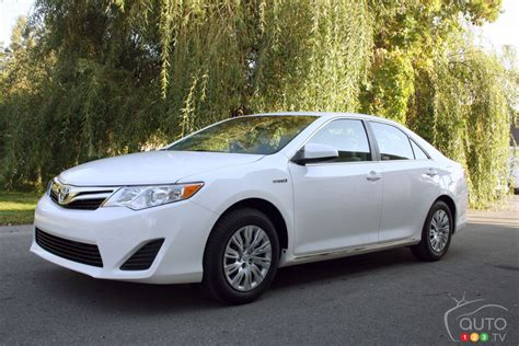 2012 Toyota Camry Specs by 2012 Toyota Camry Hybrid Xle Car Reviews Auto123