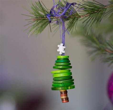 weihnachtsbaumschmuck basteln mit kindern weihnachtsbaumschmuck mit den kindern basteln idee f 252 r tannenbaum aus kn 246 pfen weihnachten