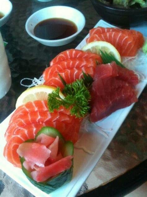 siege social planet sushi tuna and salmon sashimi imgkid com the image kid