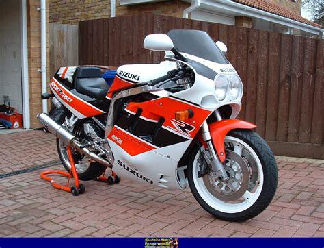 1990 Suzuki Gsxr 750 1990 suzuki gsx r 750 moto zombdrive