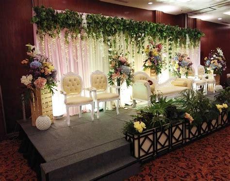 Mbak ella yang asli jawa tengah menikah dengan vonk di surabaya. Konsep Dekorasi Bagus Wijaya Wedding . Office : Hotel ...