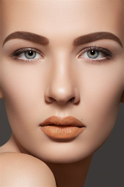 top  makeup mistakes  avoid   cost  ree