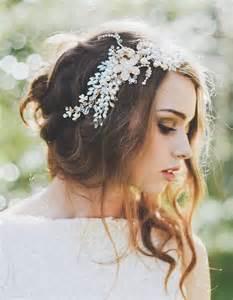 coiffure mariage chignon coiffure de mariée chignon bohème les plus jolies coiffures de mariée pour s inspirer
