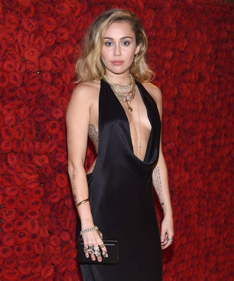 Miley Cyrus Deletes All Instagram Posts, Here's Why