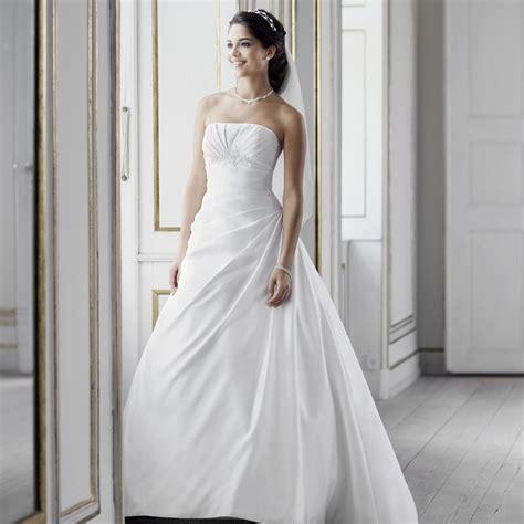 robe de mariée blanche et robe de mari 233 e blanche instant pr 233 cieux